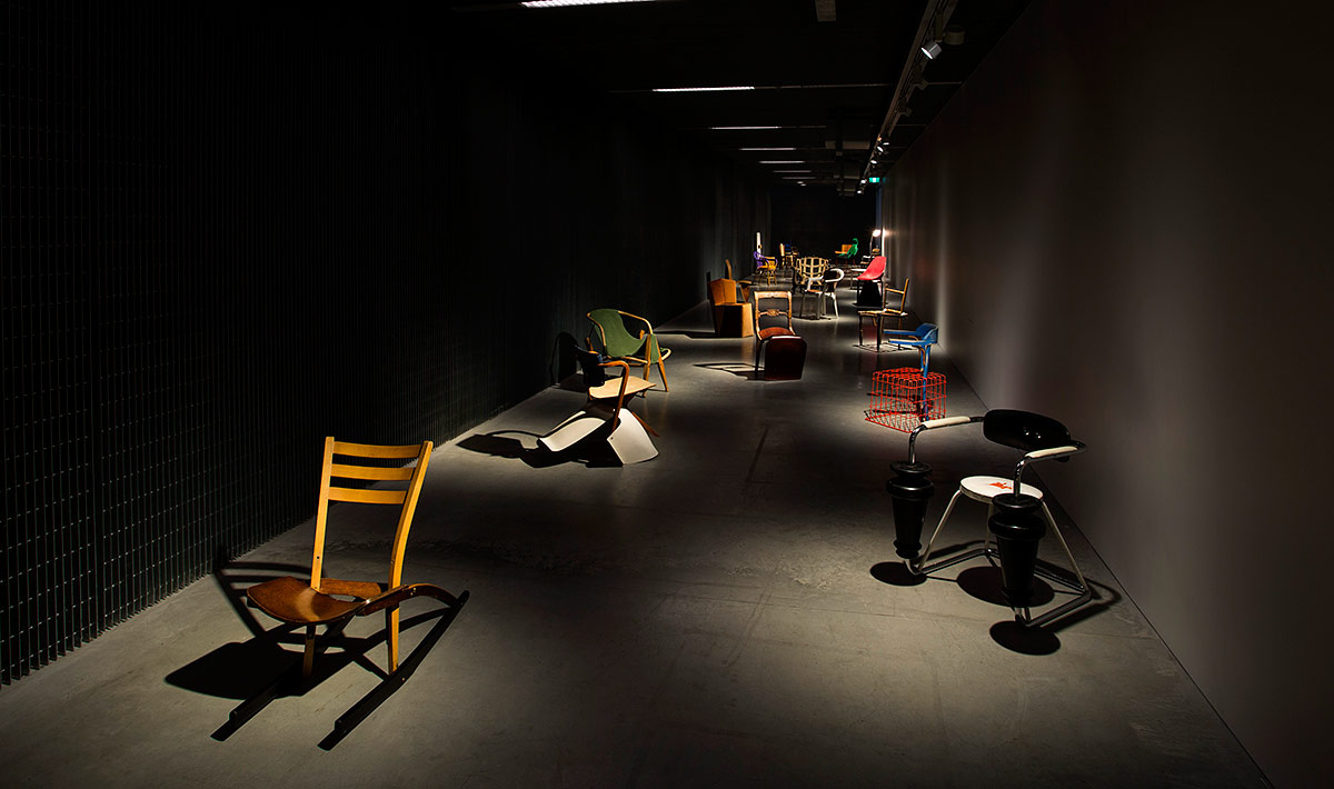 100 Chairs in 100 Days por Martino Gamper