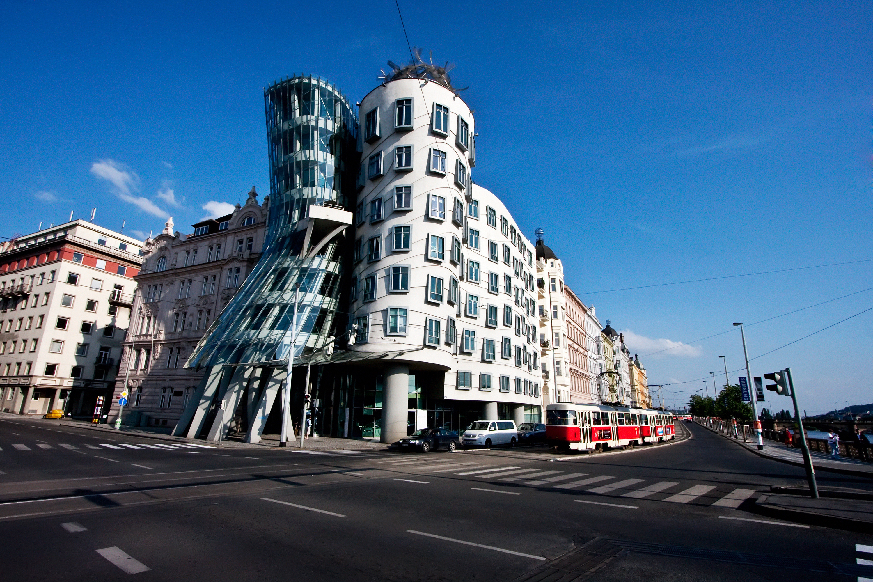 Dancing House, Praga, República Checa (1994-1996).